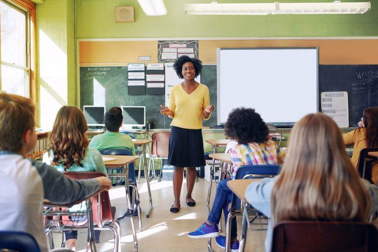 teacher teaching students