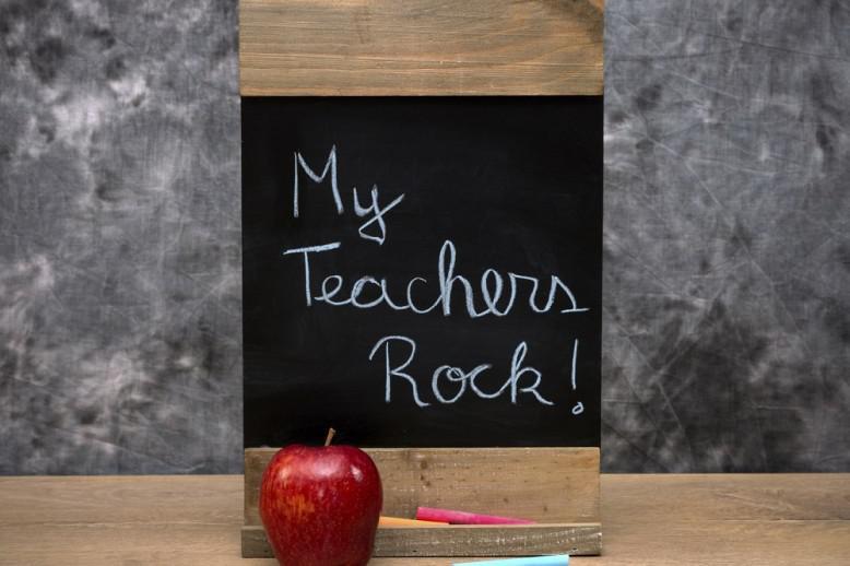 chalkboard that says my teachers rock