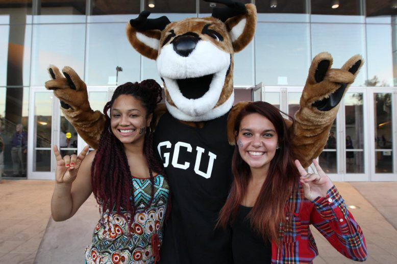 GCU students with Thunder