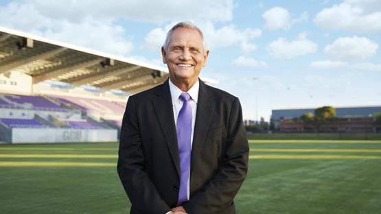 Schellas Hyndman is announced as the head men's soccer coach